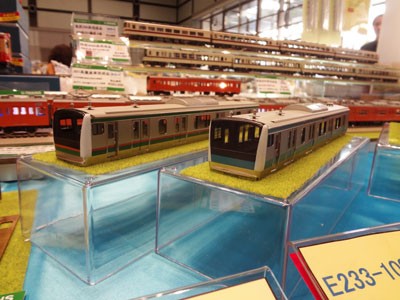 u-trains-20121027-0.jpg